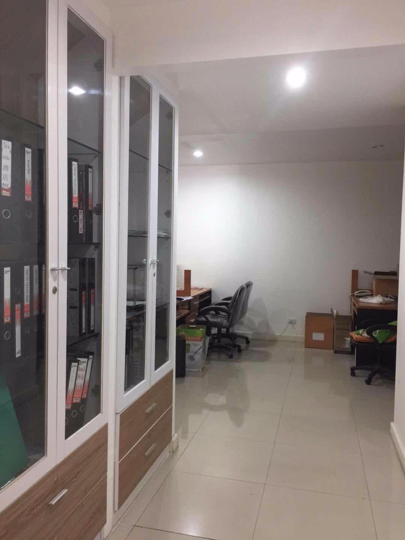 出售或出租:2栋3层楼相连打通的豪华装修全新办公楼
